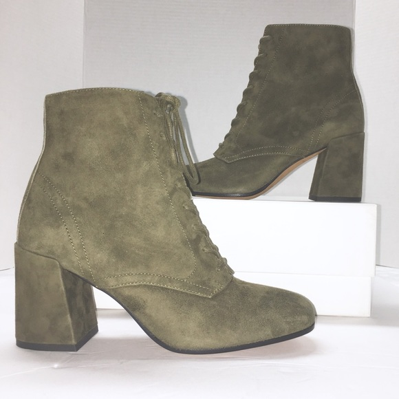 $450 VINCE Halle Lace Up Block Heel Booties  Tan Suede Leather Boots